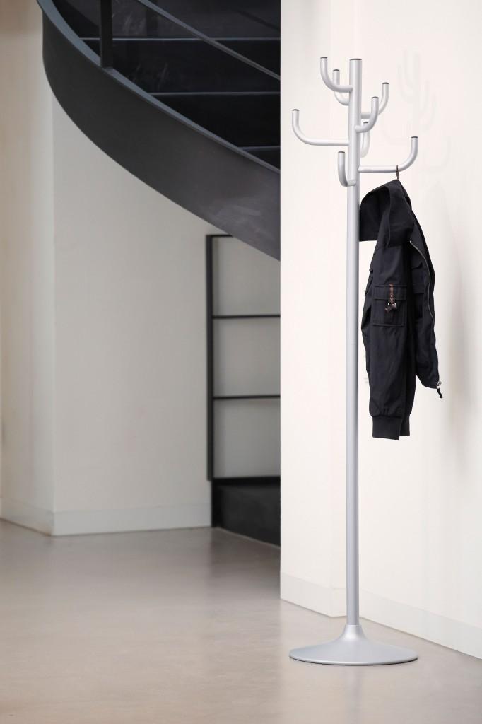 Kleiderst nder kaktus silber design garderobe von jan kurtz for Garderobe jan kurtz