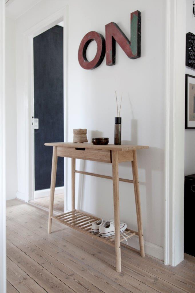 noble hall konsolentisch mit schublade aus bambus von cinas. Black Bedroom Furniture Sets. Home Design Ideas