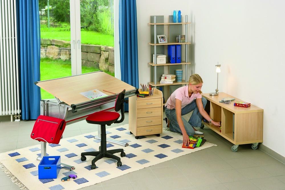 schreibtisch sch lerschreibtisch mit stiftleiste und. Black Bedroom Furniture Sets. Home Design Ideas